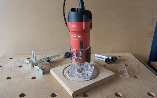 máy soi gỗ Maktec MT372