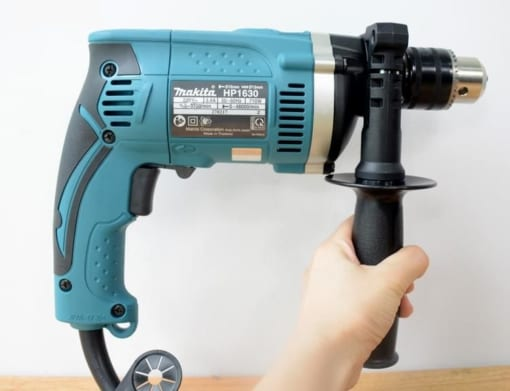 may-khoan-16mm-makita-hp1630-tay-cam-phu