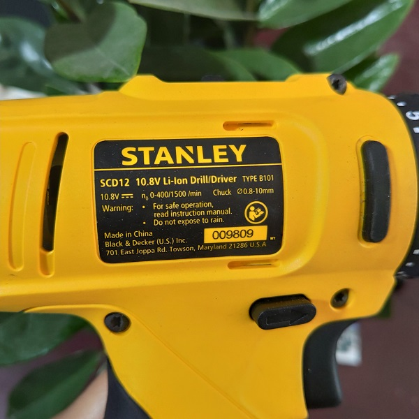 may-khoan-van-vit-pin-stanley-scd12s2
