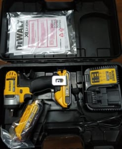 may-van-bu-long-dong-luc-pin-dewalt-dcf880d2-b1