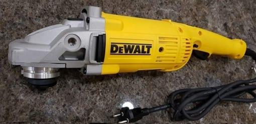 Máy mài góc Dewalt DW840