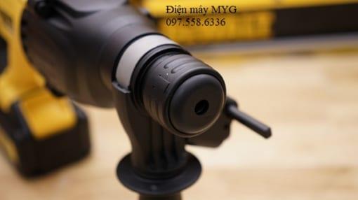 May-khoan-dong-luc-dung-pin-DEWALT-DCH133M2-18V (1)
