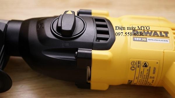 May-khoan-dong-luc-dung-pin-DEWALT-DCH133M2-18V (6)