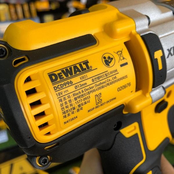 Than-may-khoan-dung-pin-DeWALT-18V-DCD996N-KR (7)